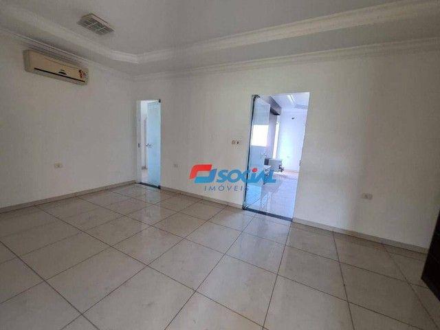 Sobrado com 5 dormitórios à venda, 300 m² por R$ 950.000,00 - Nossa Senhora das Graças - P - Foto 18