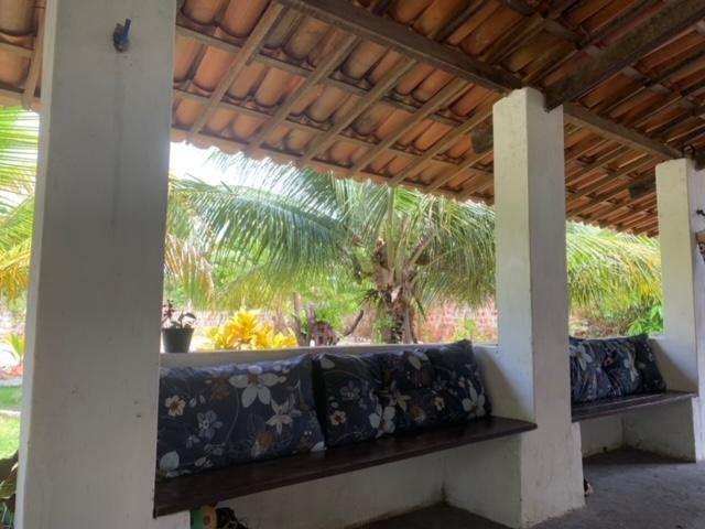 Casa duplex para venda tem 146m2 com 4 suítes próximo a praia da Caponga - Cascavel - CE - Foto 3