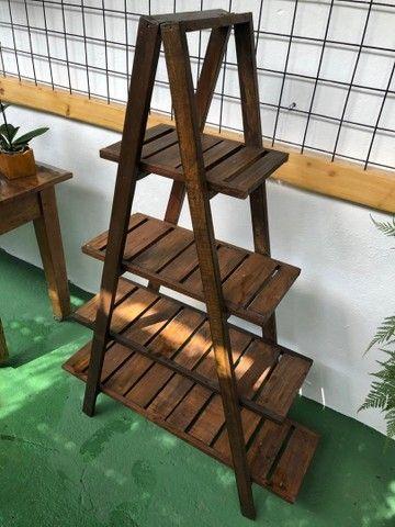Estante triangular de madeira  - Foto 3