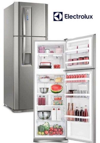 Refrigerador Eletrolux 382 litros inox com dispensor de água ?  - Foto 2