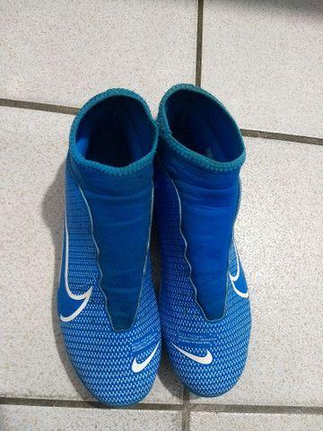 (preço a negociar) troco em corrente banhada a ouro Chuteira de campo da Nike pouco usada - Foto 2