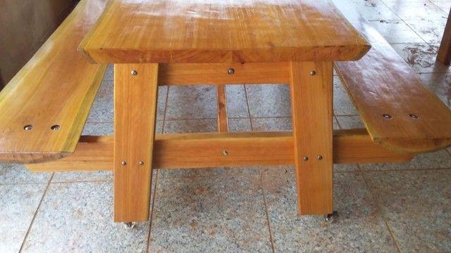 Mesa com bancos fixos - Foto 4