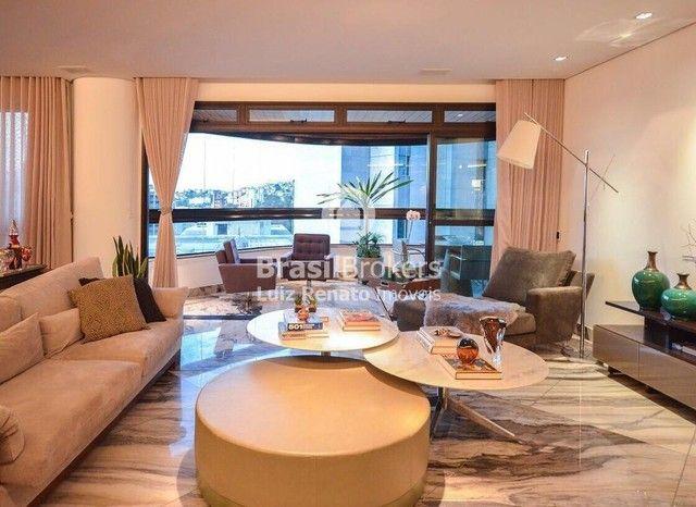 Apartamento 280 m², 4 quartos sendo 4 suítes, 4 vagas