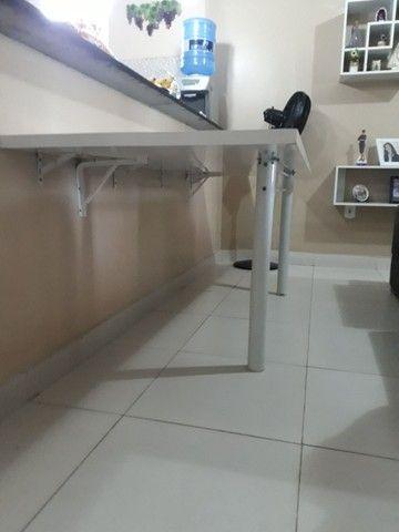 Mesa parafusada na parede.  - Foto 2