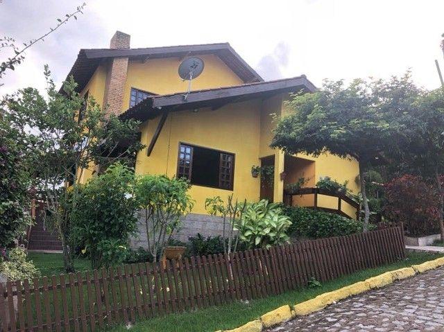 Casa em condomínio fechado em gravatá
