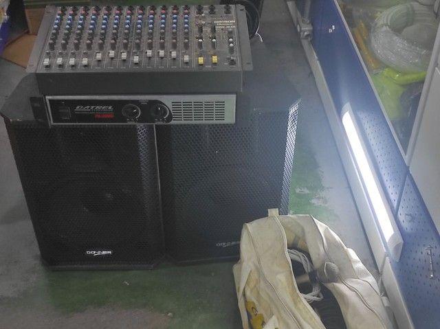 Kit com mesa 12 canais , 2 caixas , uma potência, cabos e um microfone