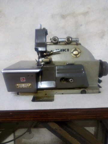R$1.300 Maquina de Costura overlock 3 fios/ 5 fios interlock