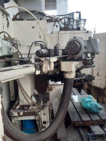 Centro de Usinagem Vertical Brevet CV 216 700 mm
