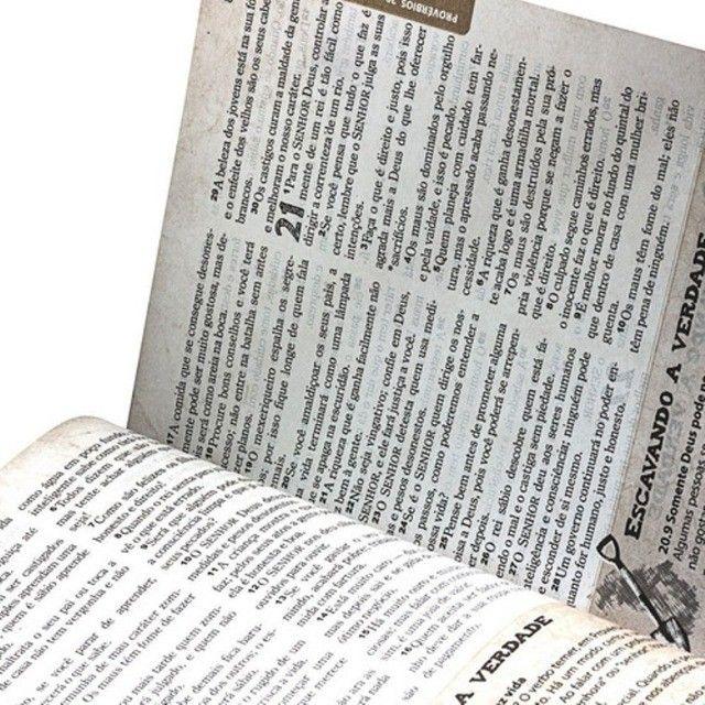 Bíblia Das Descobertas Para Adolescentes - Couro Marrom Sbb - Foto 4
