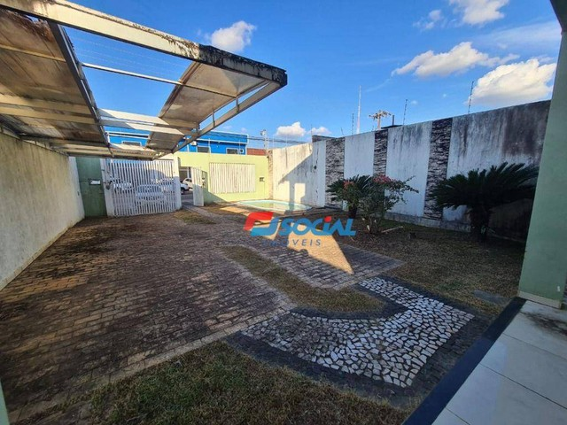 Sobrado com 5 dormitórios à venda, 300 m² por R$ 950.000,00 - Nossa Senhora das Graças - P - Foto 2