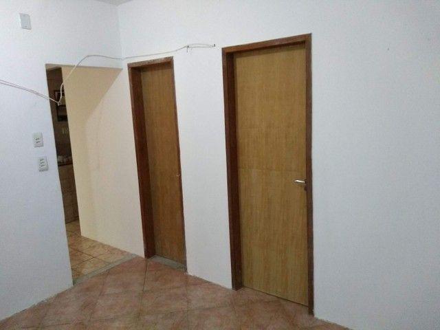 Aluguel casa condomínio fechado Itapuã - Foto 8