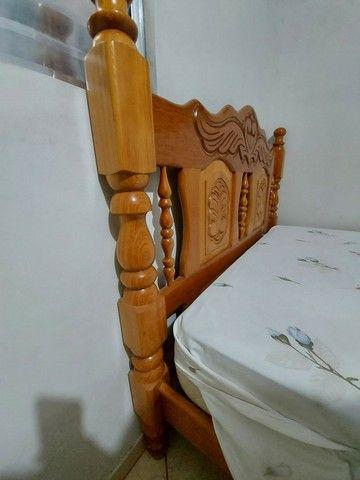 Cama de casal, madeira maciça. - Foto 2