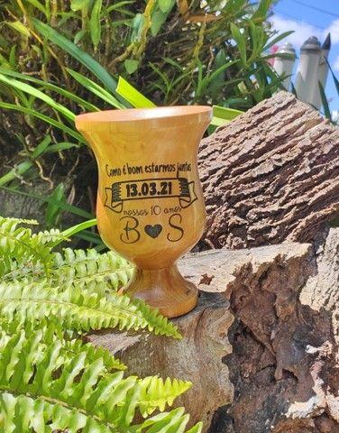 Cuia em Madeira Lisa com pé Personalizada - Foto 5
