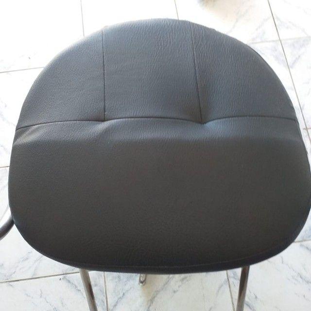 Cadeira de salão em perfeito estado de uso, hidráulico funcionando perfeitamente - Foto 4