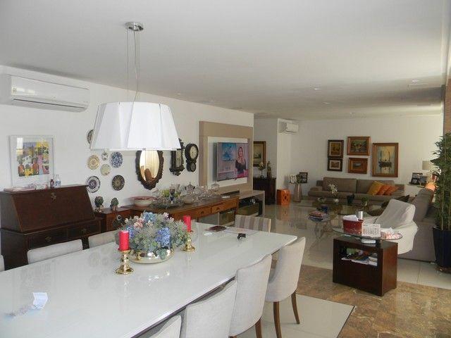 Apartamento para venda possui 240 metros quadrados com 4 quartos em Enseada do Suá - Vitór - Foto 3