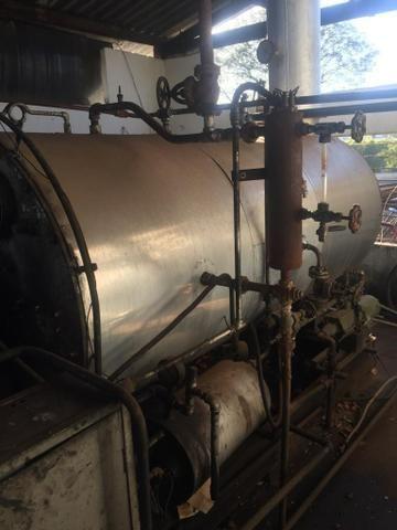 Caldeira a óleo 750 Kilos de vapor e uma Fornalha para lenha - Foto 4