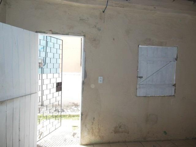 Casa com 1 Quarto para Alugar, 25 m² por R$ 400/Mês - Foto 4