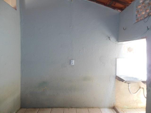 Casa com 1 Quarto para Alugar, 25 m² por R$ 400/Mês - Foto 6