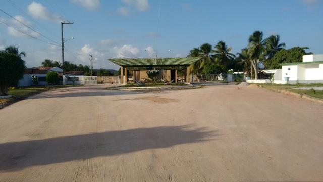 Terreno massagueira Cond fechado 77 mil - Foto 2