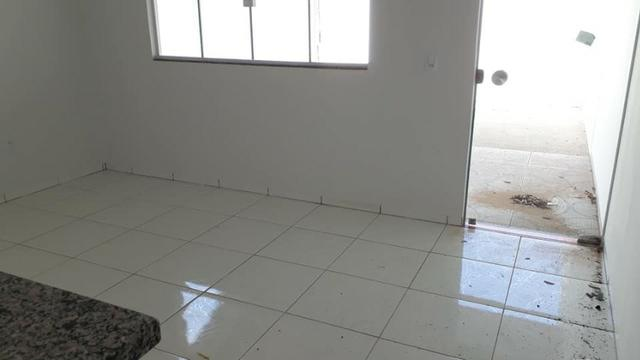 Linda Casa Nova Financia 2/4 Sendo 1 Suíte Na Laje Casa Individual Frente Pra Sombra - Foto 2