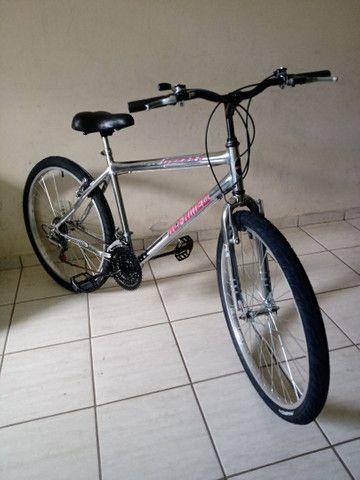 Bicicleta aro 26 impecável cromada sem detalhes - Foto 3