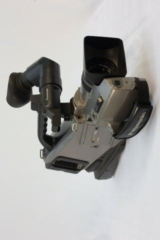 )- Câmera Profissional Panasonic 750x - Foto 2