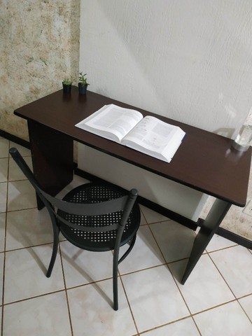 Mesa / escrivaninha para quarto
