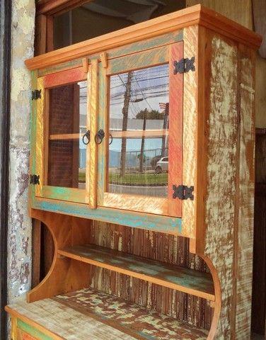 arca com oratória em madeira de demolição ótimo acabamento. - Foto 3
