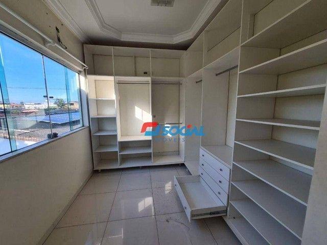 Sobrado com 5 dormitórios à venda, 300 m² por R$ 950.000,00 - Nossa Senhora das Graças - P - Foto 20