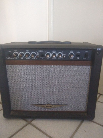 Amplificador de guitarra OCG 200