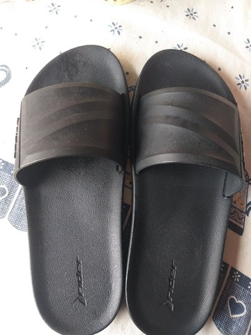 Sandália masculina semi nova - Foto 2
