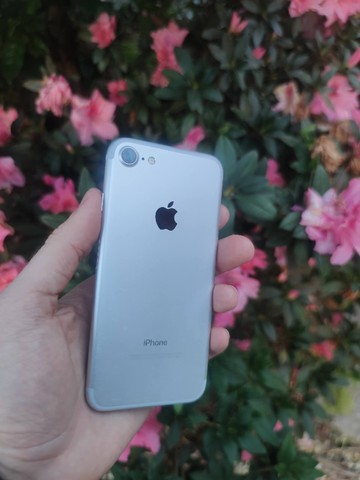 iPhone 7 128gb Prata - Excelente!! 12x de 123,91  no cartão. C/Garantia