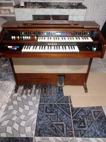 Piano antigo órgão eletrônico - Foto 2