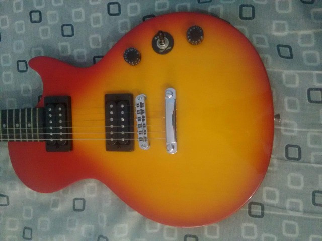 Guitarra Les Paul Epiphone Special - Foto 2