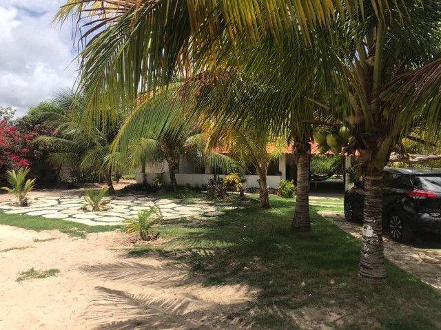Casa duplex para venda tem 146m2 com 4 suítes próximo a praia da Caponga - Cascavel - CE - Foto 15