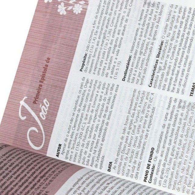A Bíblia Da Mulher De Estudo Capa Tulipa Média Brinde Capa - Foto 4