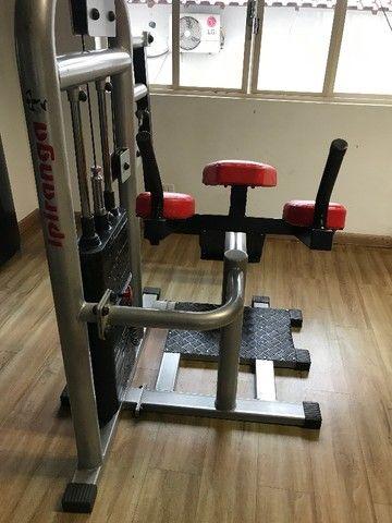 Máquina Glúteo Vertical - Foto 6