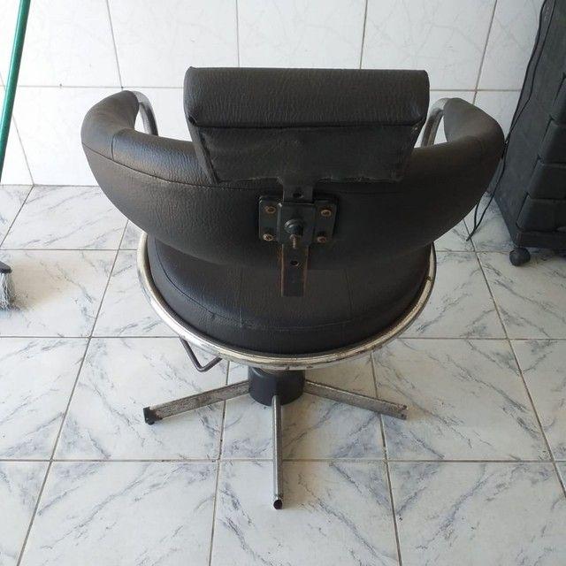 Cadeira de salão em perfeito estado de uso, hidráulico funcionando perfeitamente - Foto 2