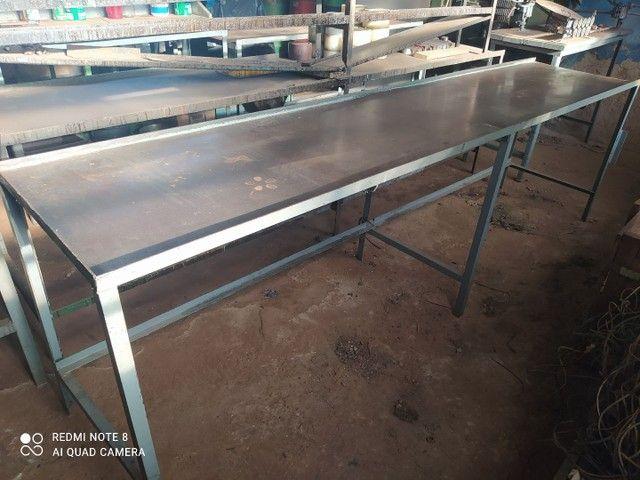 Bancadas Aço e madeira de lei - Foto 6