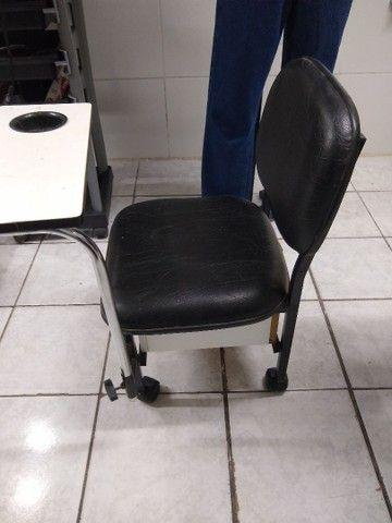 revisteiro e cadeira de manicure - Foto 3