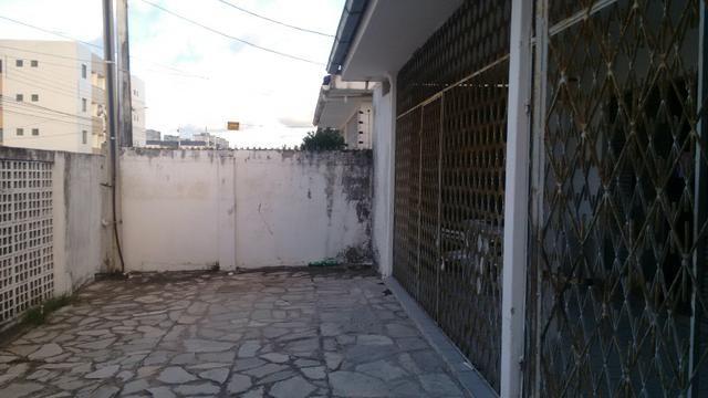 Casa bem localizada no bairro do Cristo
