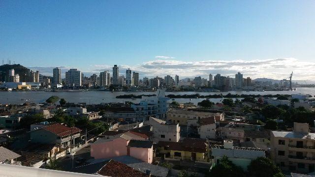 Apartamento Navegantes 1 suite e 1 dorm,2 vagas de garagem,Prox praia,Centro e ferry boat
