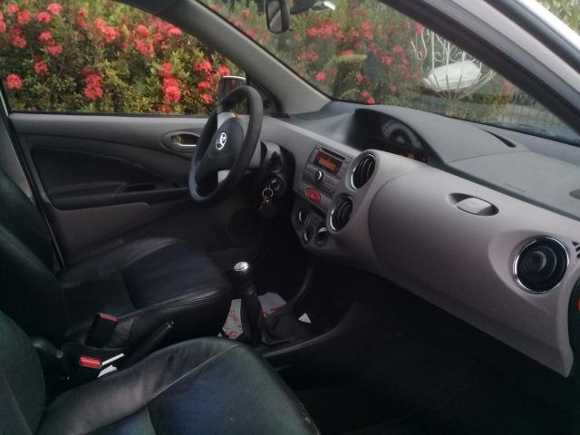 Toyota Etios Sedan XLS Completo 2013/2013