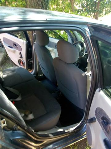 Clio 2003 11.000 - Foto 5
