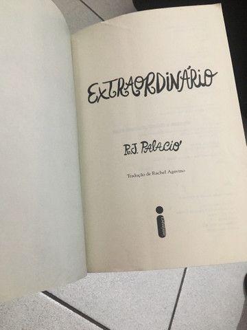 Livro Extraordinário- R.J Palacio - Foto 2