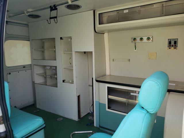 Ambulancia renalt master - Foto 5