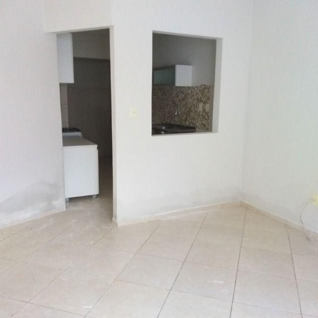 Apartamento 2/4 ótima localização /sem condomínio - Foto 8