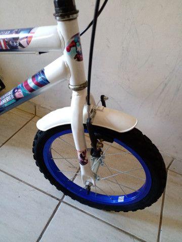 Bicicleta aro 16 impecável capitão América - Foto 6