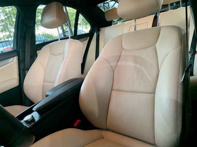 Mercedes C-250 CGI Avantgarde - KM 60.000 revisões na CC - Nova!!! - Foto 8