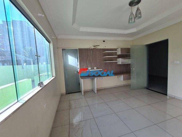 Sobrado com 5 dormitórios à venda, 300 m² por R$ 950.000,00 - Nossa Senhora das Graças - P - Foto 17